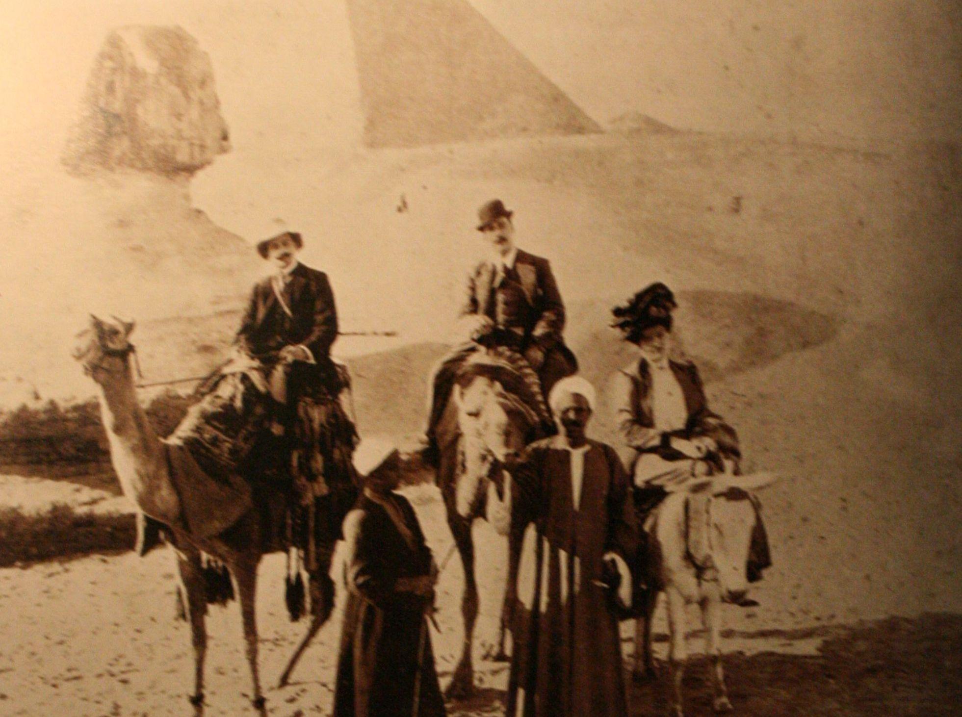 cartolina di puccini cammello